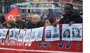 Lille - Sans Papiers grévistes de la faim - Pas de « Thatcher de gauche » dans FRATERNITE manif-lille-papiers-gaillot-130105-300x179